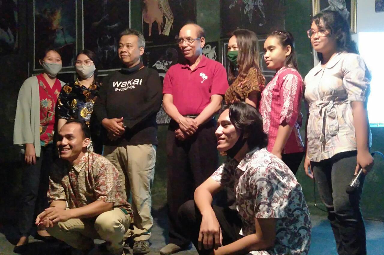 KELOMPOK STUDI MAHASISWA MERDEKA (KSMM) STKIP WIDYA YUWANA PERINGATI HARI PAHLAWAN
